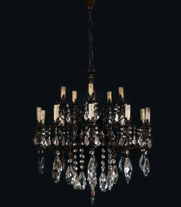 Grande lampadario vintage ottone bronzato gocce in vetro for Lampadario vintage