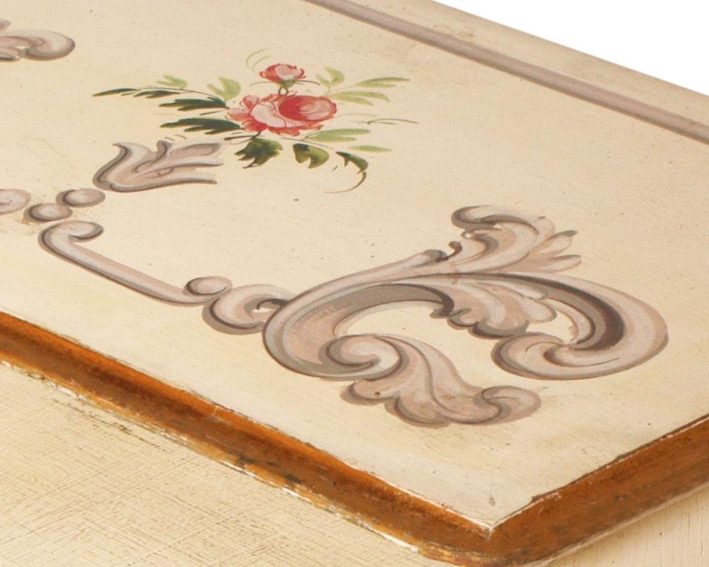 Coppia comodini bianchi shabby chic in stile 39 700 for Disegni mobili