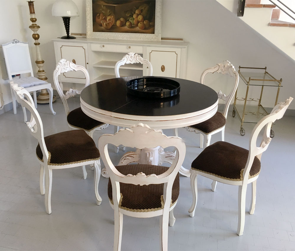 Italy round dining table six chairs round extendable table for Round dining table for 6