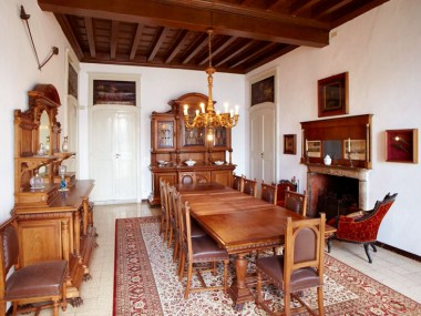 italian-antique-furniture-renaissance-dining-room-MAQ58-2