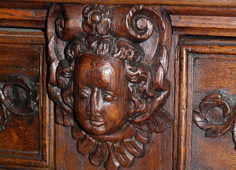 italian-antique-sideboard-renaissance-MAE59-2