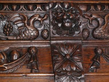 italian-antique-sideboard-renaissance-MAE59-4